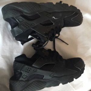 Huaraches size 4.5 5Y